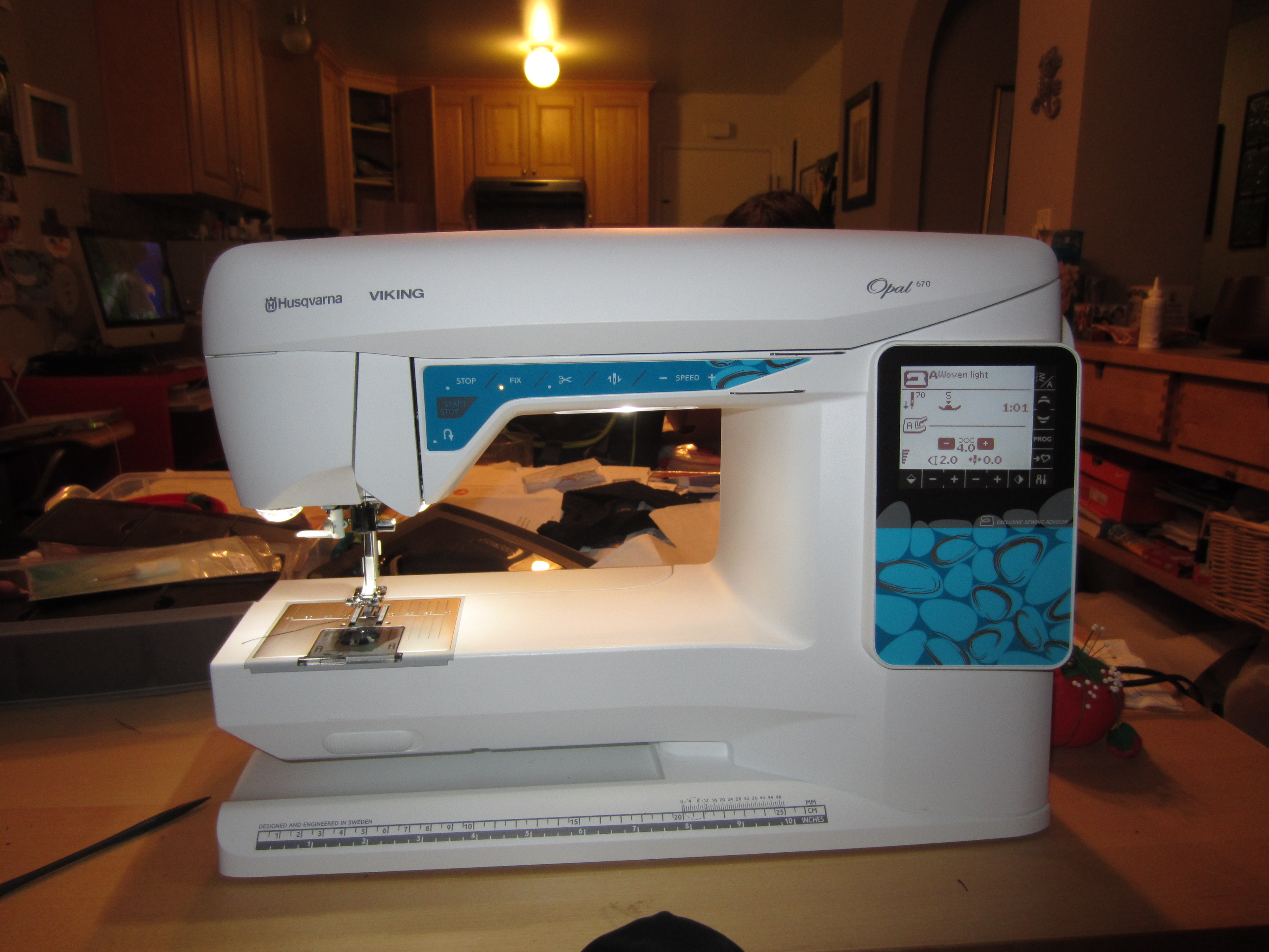 IMG_1406. It's my lovely machine. My Husqvarna Viking Opal 670.